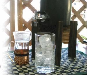 福袋豪華セット!【送料無料】焼酎サーバー+黒千代香セット+麦焼酎送料込み飲み比べセット