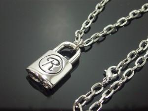 ロック錠ネックレス・シド・パンク・ゴスロリ・バンギャ・メール便(ゆうパケット)なら送料無料・ M-149