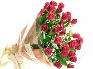 送料無料 赤いバラ 70本の花束 薔薇 ばら 誕生日 記念日 レッドローズ