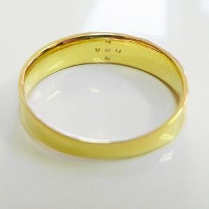 艶消しタイプのダイヤ入りシンプル18金リング