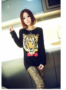 【即納】タイガープリント長袖Tシャツ/トップス/AW