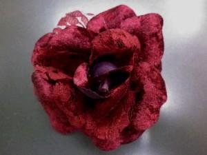 振袖成人式&浴衣に♪髪飾り(コサージュ)濃赤レース薔薇