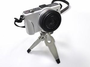 【小型三脚】超軽量!カメラ用ポケットサイズミニ三脚*デジカメ撮影に♪