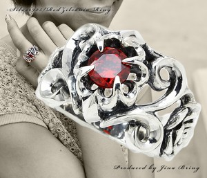 ローズトライバル リング【送料無料】オープンハート 芸術的な薔薇デザイン/シルバー925リング アクセサリー◇SV925RING/HR指輪