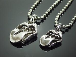 ベロネックレス・メール便(ゆうパケット)なら送料無料・V系・バンギャ・ロック・Rock・ストーンズ・stones・M-1541-1