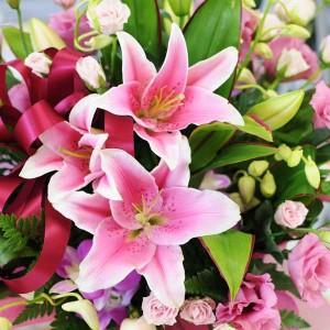 ピンクリリー アレンジメント 2L ユリ 百合 誕生日のお花ギフト 送別 退職  送料無料 花ギフト 花宅配エーデルワイス花の贈り物