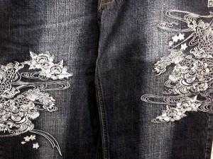 カラクリ魂 和柄デニムパンツ KARAKURI 唐獅子牡丹刺繍