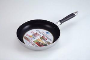『サルートふっ素加工フライパン 26cm』 【ガス火専用】パール金属 H-549