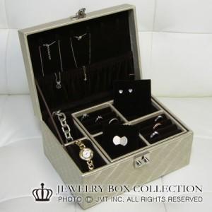 ≪Mサイズ≫バニティ型ジュエリーボックス キルティング高級宝石箱 ジュエリーケース 宝石ケース 限定地域は送料無料!