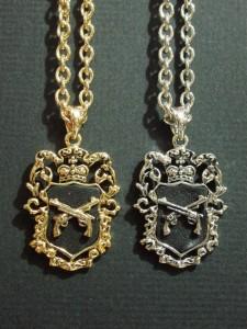 ブラック本革貼りプレートネックレス/ピストル・メール便(ゆうパケット)なら送料無料・ロック・キレイめ・キレカジ・M-1728-2black