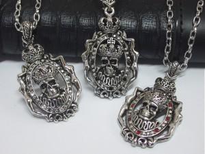 キングスカルネックレス・メール便(ゆうパケット)なら送料無料・骸骨・Rock・髑髏・ロック・男前・パンク・王冠・メタル・ドクロ