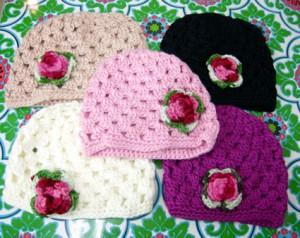激安 訳ありニット帽 お洒落 ニットキャップ かわいいニット帽 帽子 ハンドメイド 手編み ローズ 薔薇 お買い得