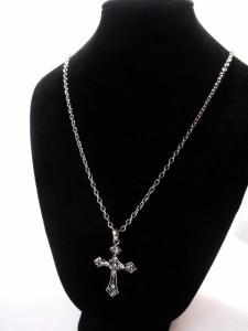 ゴシック調クロスネックレス・メール便(ゆうパケット)なら送料無料・十字架・ロック・Rock・キレイめ・パンク・ゴスロリ・M-1702