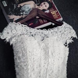 新品 高級感パーティー ウエディングドレス ブライダルドレス ホワイトレース 編み上げ 刺繍 ウェディング