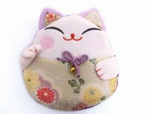 和小物 招き猫ちりめんポーチ(お化粧・コスメ・小物入れ)薄紫色