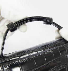 近くの買い物、旅行にも両手が空くので便利なポシェット長財布 クロコ牛革型押し 3wayタイプ