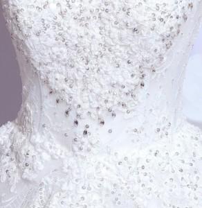 上品なウェディングドレス パーティードレス パールビーズ 結婚式 披露宴  司会者 舞台衣装 花嫁  クラシック ホワイト ロング