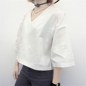 Vネックゆったりコットンシャツ トランペット袖
