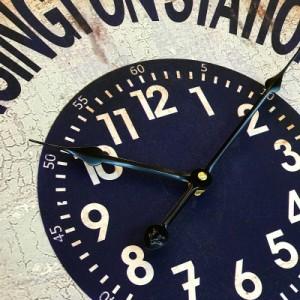 ★入荷待ち商品★【送料無料】壁掛け時計 ★ アンティーククロック ★ シャビー アメリカン レトロ感★丸型