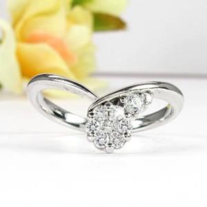 ダイヤモンド リング ダイヤリング V字 Vライン カーブ ミステリー 18金 K18 ホワイトゴールド K18WG 指輪 0.20ct【送料無料】