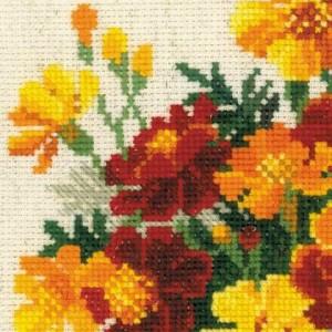 RIOLISクロスステッチ刺繍キット No.1556 「Marigolds」 (マリーゴールド 花) 【海外取り寄せ/納期30〜60日程度】