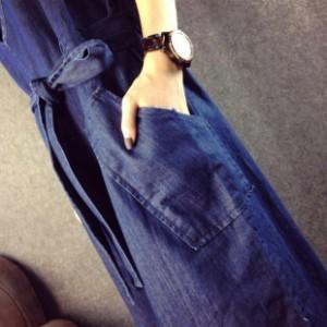スリット入りゆったりデニムジャンパースカート