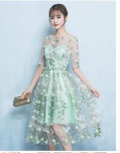 可愛い お呼ばれ 花嫁 発表会 演奏会 忘年会  ウェディングドレス レースドレス パーティードレス 結婚式