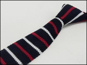 ニットタイ スリム ネクタイ 洗濯機OK 剣先6cm 紺×赤×白 ボーダー ポリエステル100% ナロータイ