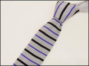 ニットタイ スリム ネクタイ 洗濯機OK 剣先6cm 薄グレー地×黒×紫 ボーダー ポリエステル100% ナロータイ