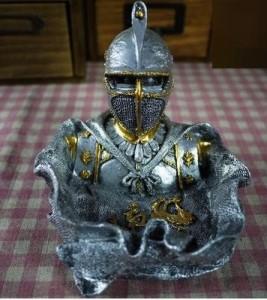 灰皿 アンティーク風 中世ヨーロッパの騎士 (B)