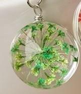 【お取り寄せ】ネックレス ガラス玉 押し花風 グリーンのお花入り (チェーン)