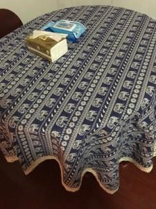 テーブルクロス マルチカバ エスニック風 インド象 デザイン レースの 縁取り (正方形A)