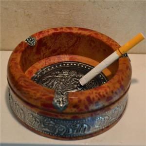 灰皿 象柄 アジアン 手彫り風 丸型 木製 (ブラウン)