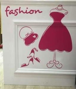 【お取り寄せ】ウォールステッカー ファッション パールネックレス付きドレス バッグ シューズ (ピンク)