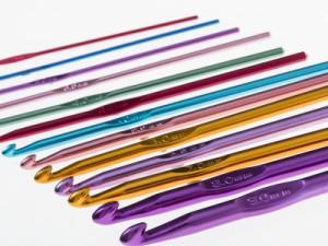 手芸 手編み メタル かぎ針 編み針 毛糸 編み物 セーターなどに ランダムカラー#4.5mm