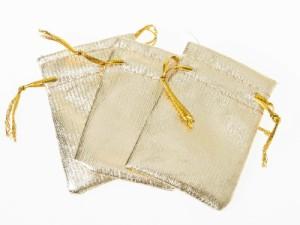 生活雑貨 上品感 アクセサリー 収納ポーチ 袋 3個入り/紐付き/指輪 ブレス ネックレスなど小物収納#ゴールド9×12cm【新品/送料込み】