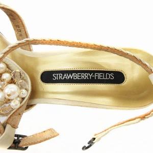 ストロベリーフィールズ STRAWBERRY-FIELDS ストラップサンダル ビジュー装飾 ベージュ系 23 1/2 レディース ベクトル【中古】