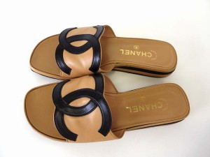 42cc9fde93b8 シャネル CHANEL サンダル スリッポン ココマーク 本革 レザー 38 ベージュ 黒 24.0cm くつ 靴