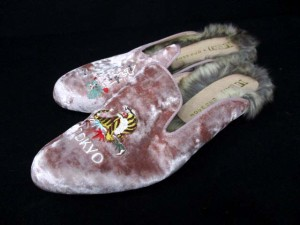 ローズバッド ROSE BUD CASSELINI サンダル フェイクファー ローヒール スエード 刺繍 24.5 ピンク /DJ ● レディース