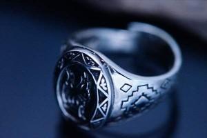 ウルフ(狼)透かしデザイン スター(星)&幾何学模様彫り インディアンジュエリー風 メンズ シルバー925 リング