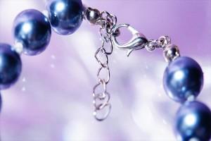 黒蝶真珠風パールビーズ装飾 クリアカットビーズ付きキラキラボールワンポイントデザイン レディース ブレスレット