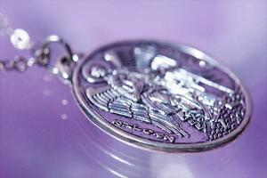 ルード系 大天使ミカエルモチーフ リバーシブルデザイン オーバルプレート シルバーカラー メンズ ペンダント ネックレス