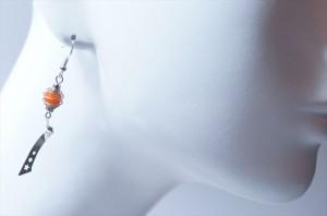 キャロットオレンジラメビーズ スパイラル&3スターカールデザイン ジュエリー系アメリカンフックピアス