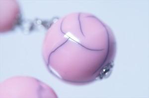 揺れるクラック柄ダブルピンクボール ドロップデザイン ジュエリー系アメリカンフックピアス