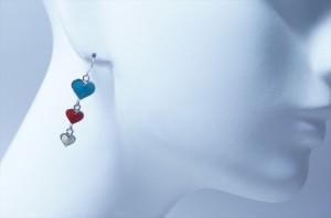 揺れるブルー&レッド&ホワイト3連ハートドロップデザイン ジュエリー系アメリカンフックピアス