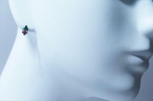 三つ葉デザイン パステルピンク&チェリーピンクキュービックジルコニア ジュエリー系スタッドピアス