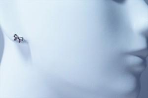 リボン型バタフライデザイン チェリーピンクキュービックジルコニア ジュエリー系スタッドピアス