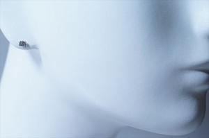 キラキラミニリボンデザイン ホワイトキュービックジルコニア ジュエリー系スタッドピアス