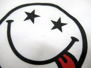 Tシャツ 長袖 カットソー ロンT インナー メンズ レディース 部屋着 プリント スマイル キャラクター 総柄 シンプル ストリート アメカジ