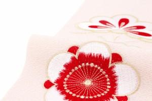 【華やかな着物に似合う刺繍半衿】ピンク/金色/赤/松竹梅/刺繍/鬼縮緬/ちりめん/振袖/婚礼衣装/成人式/結婚式/盛装/日本製/半襟/和装小物